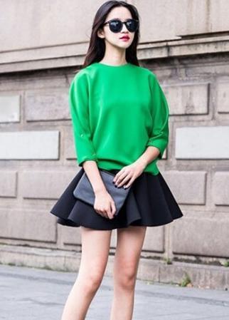 示范搭配: 墨绿色 西装外套+
