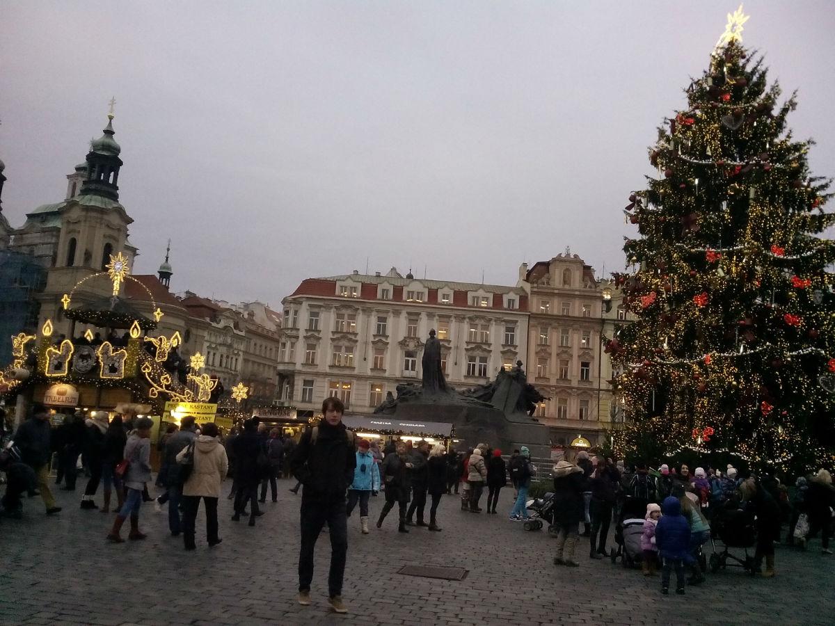 > 布拉格广场圣诞夜景