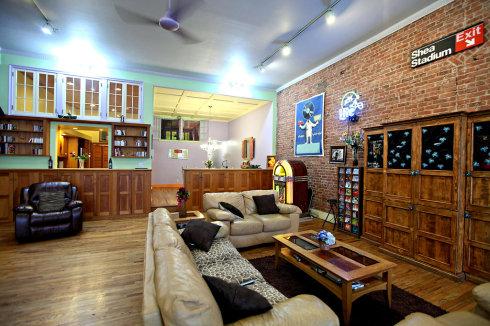 客厅与餐厅最好还是铺设木质地板