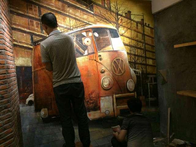 > 2月,深圳一家咖啡馆水泥墙面墙绘制作过程,胜似放电影.图片
