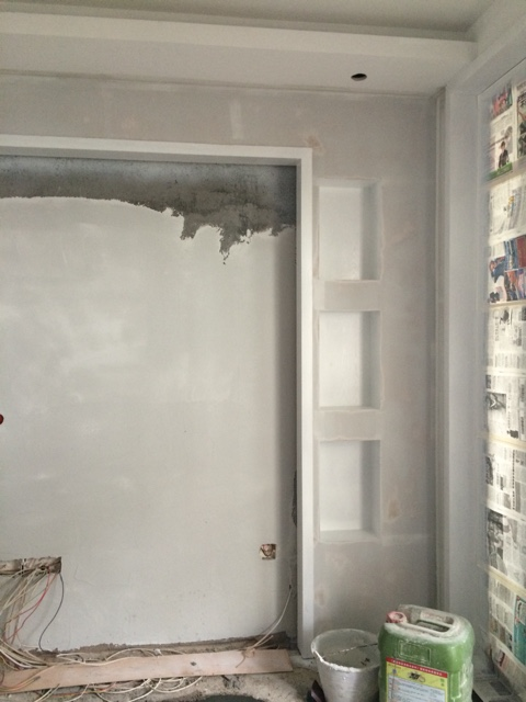 背景墙和阳台推拉门边框