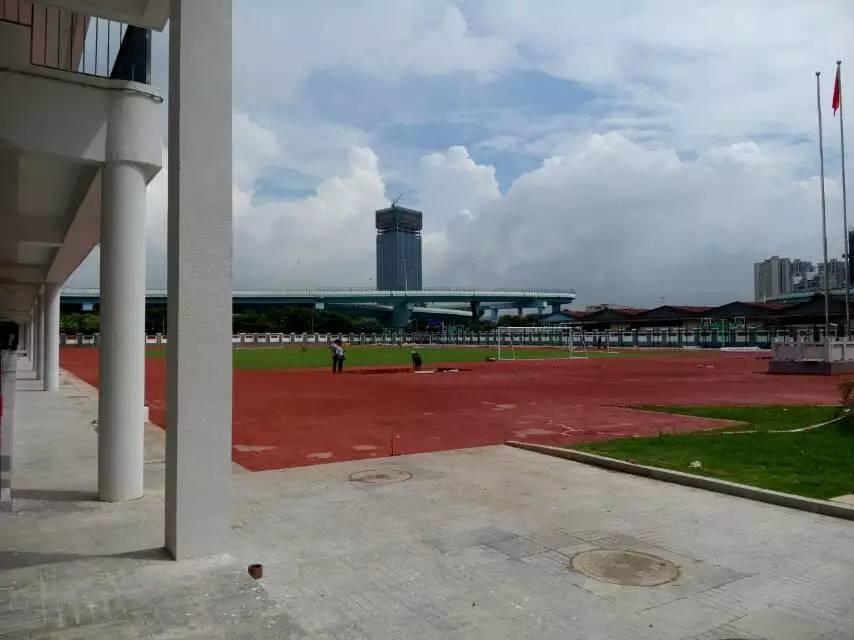 操场校园风景手绘